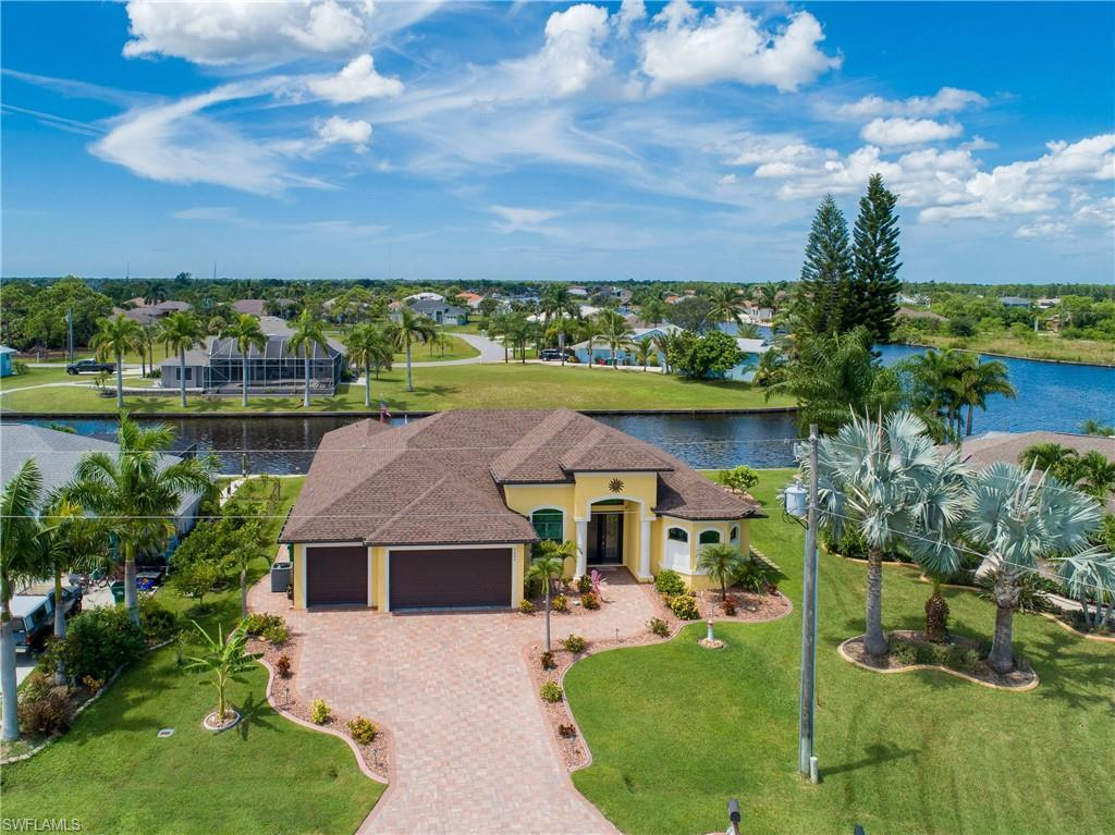 SW Florida Real Estate - View SW FL MLS #219062274 at 9326 Rosebud Cir in SOUTH GULF COVE in PORT CHARLOTTE, FL - 33981
