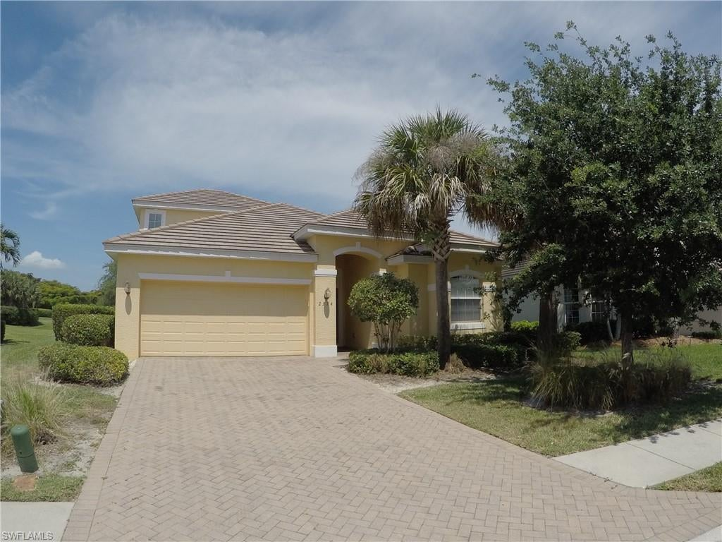 SANDOVAL Real Estate - View SW FL MLS #219063327 at 2374 Verdmont Ct in VERDMONT in CAPE CORAL, FL - 33991