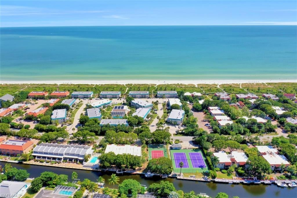 SW Florida Home for Sale - View SW FL MLS Listing #219065017 at 827 E Gulf Dr # H5 in SANIBEL, FL - 33957