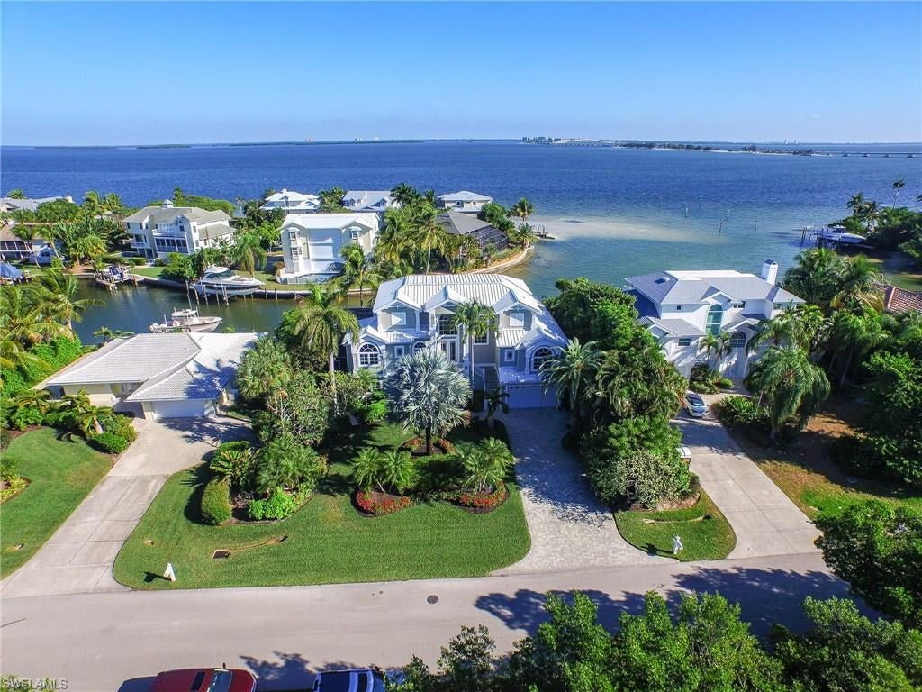 SW Florida Home for Sale - View SW FL MLS Listing #219069817 at 1206 Bay Dr in SANIBEL, FL - 33957