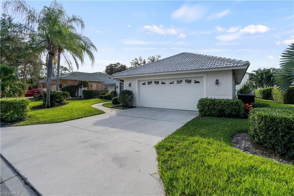 SOUTHLANDS Real Estate - View SW FL MLS #219072351 at 10150 Brook Ridge Ln in SOUTHLANDS in BONITA SPRINGS, FL - 34135