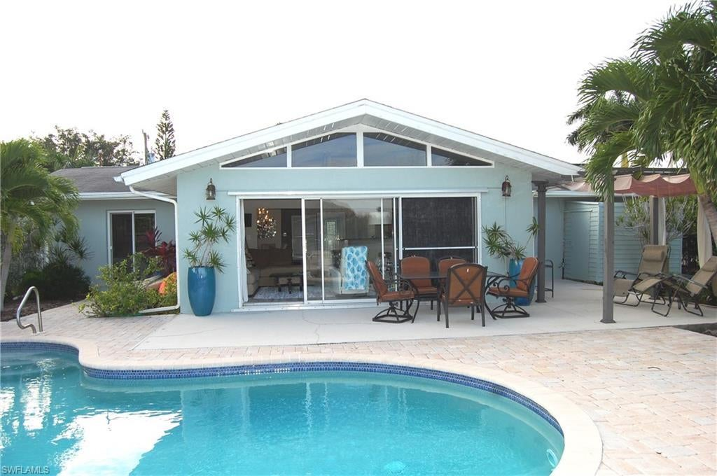 SW Florida Real Estate - View SW FL MLS #219076625 at 8061 Lagoon Rd in LAGUNA SHORES in FORT MYERS BEACH, FL - 33931
