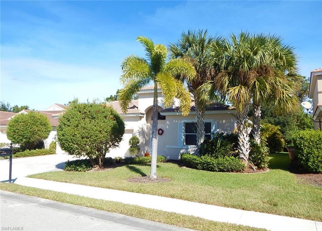 3005 Lake Manatee Ct Cape Coral Fl In Coral Lakes Is