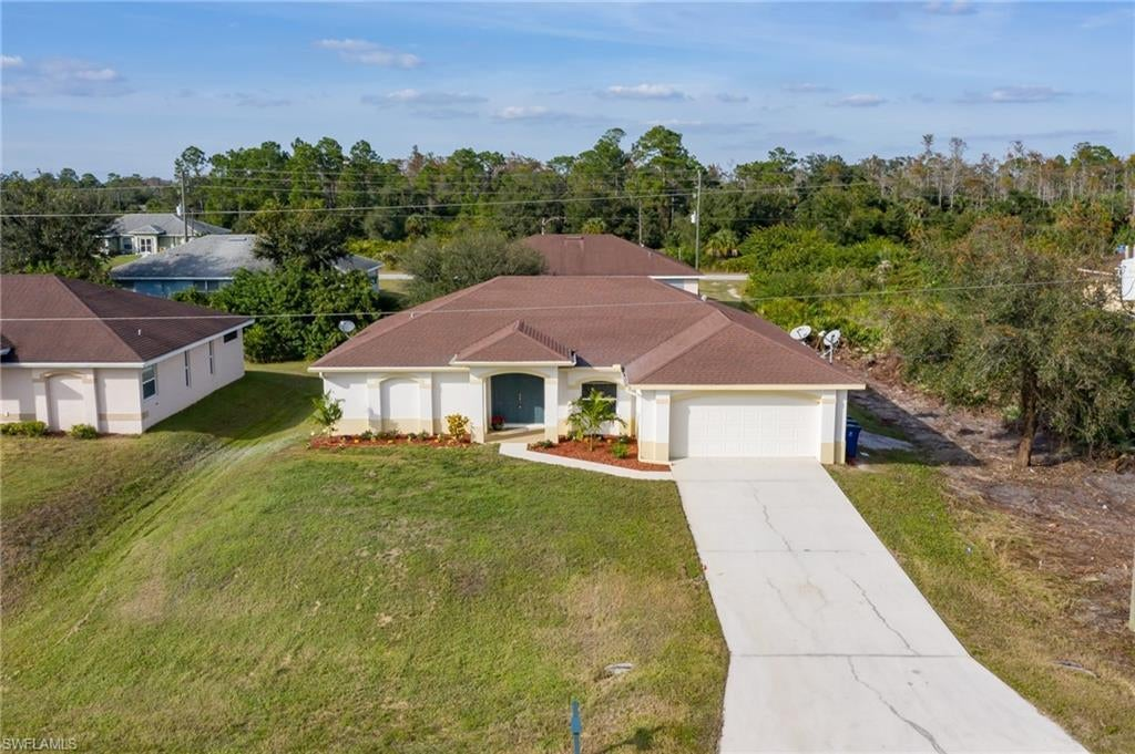 SW Florida Home for Sale - View SW FL MLS Listing #219079095 at 680 Wentworth Dr in LEHIGH ACRES, FL - 33972