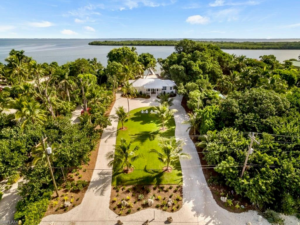 SW Florida Real Estate - View SW FL MLS #219084059 at 15843 Captiva Dr in METES AND BOUNDS in CAPTIVA, FL - 33924