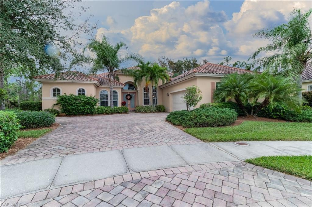 SW Florida Real Estate - View SW FL MLS #219084615 at 11236 Paddington Ter in THE PLANTATION in FORT MYERS, FL - 33913