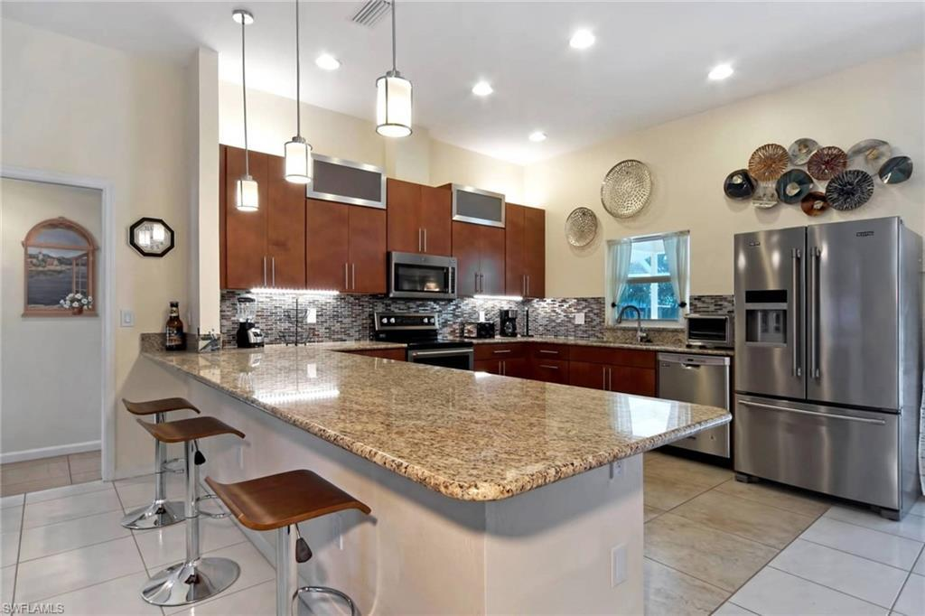 5276 Stratford Ct Cape Coral Fl In Cape Coral Is Active