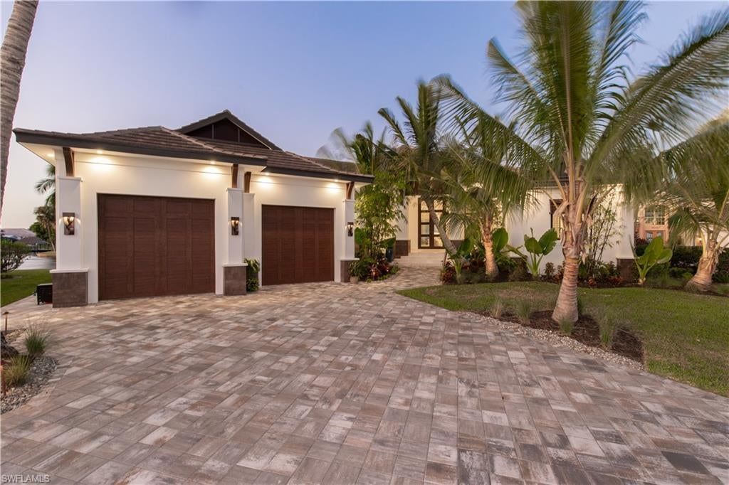 SW Florida Home for Sale - View SW FL MLS Listing #220005319 at 5611 Riverside Dr in CAPE CORAL, FL - 33904