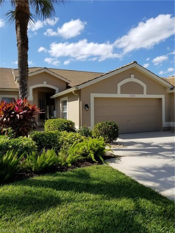 SW Florida Real Estate - View SW FL MLS #220005511 at 14906 Hickory Greens Ct in OLDE HICKORY GOLF & COUNTRY CLUB in FORT MYERS, FL - 33912