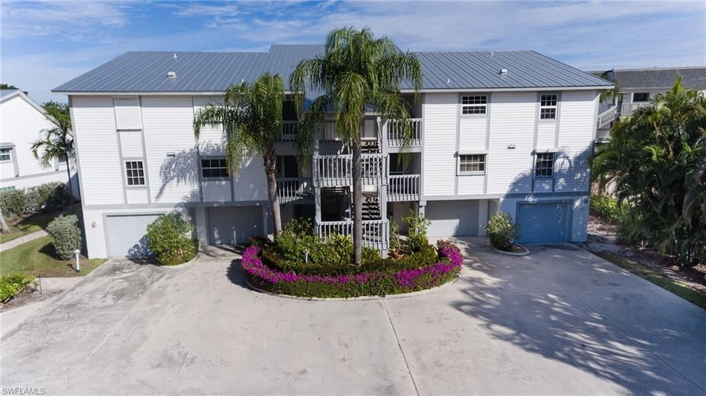 SANIBEL Home for Sale - View SW FL MLS #218074913 in YACHT HAVEN