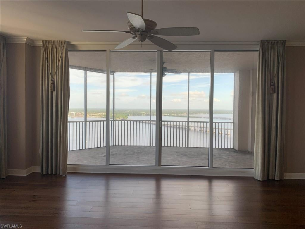 HIGH POINT PLACE Home for Sale - View SW FL MLS #219048527 at 2104 W First St 2601 in HIGH POINT PLACE in FORT MYERS, FL - 33901