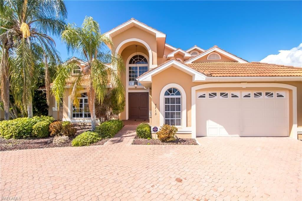 CAPE CORAL Home for Sale - View SW FL MLS #219052441 at 5713 Sw 9th Ct in CAPE CORAL in CAPE CORAL, FL - 33914