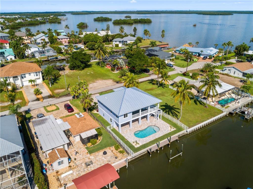 SANDPIPER VILLAGE Home for Sale - View SW FL MLS #219072182 at 256 Ibis St in SANDPIPER VILLAGE in FORT MYERS BEACH, FL - 33931