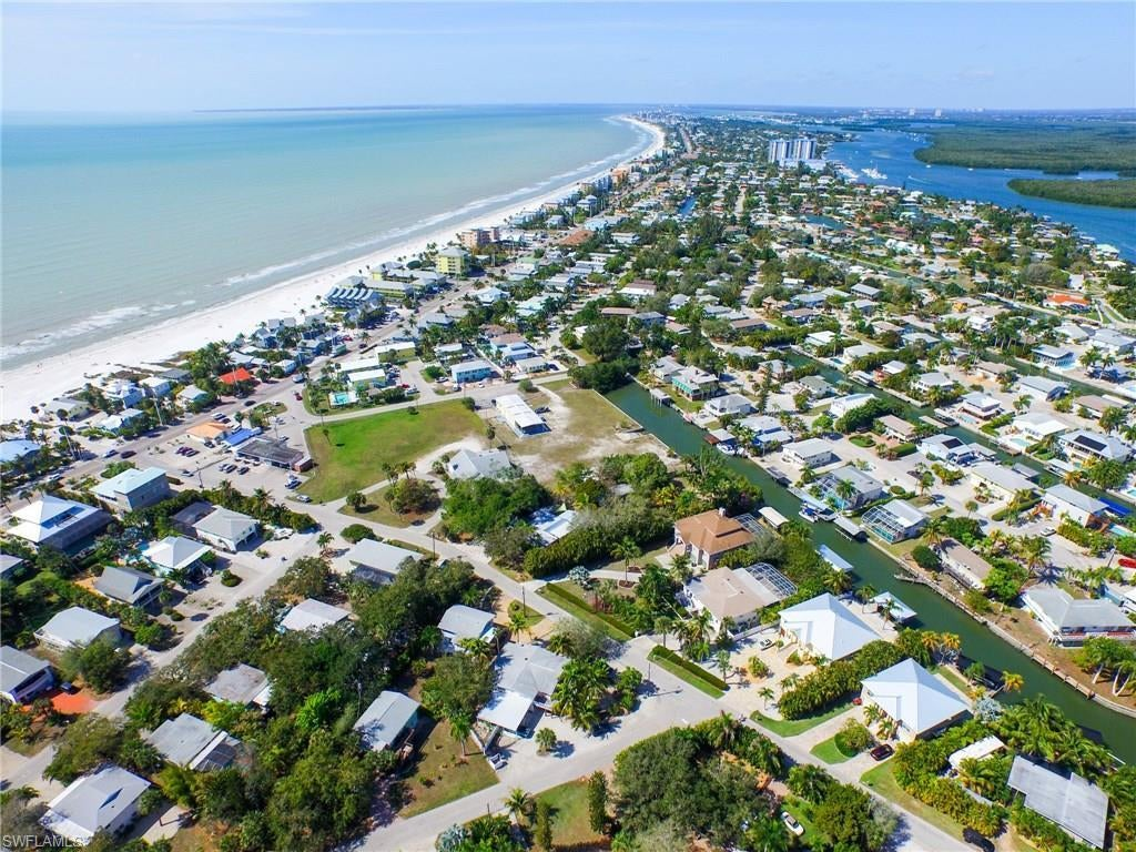 EL SOL Real Estate - View SW FL MLS #219072444 at 205 Sterling Ave in EL SOL in FORT MYERS BEACH, FL - 33931