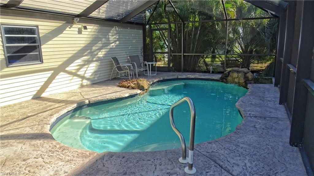 FORT MYERS BEACH Real Estate - View SW FL MLS #219081837 at 321 Lazy Way in EL SOL at EL SOL