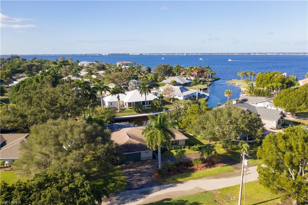 SW Florida Real Estate - View SW FL MLS #220000429 at 31 Georgetown in GEORGETOWN in FORT MYERS, FL - 33919