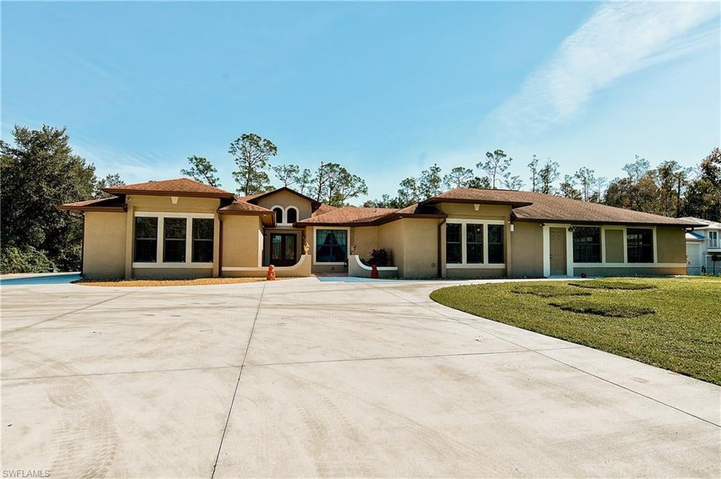 SW Florida Home for Sale - View SW FL MLS Listing #220000688 at 11467 Ranchette Rd in FORT MYERS, FL - 33966