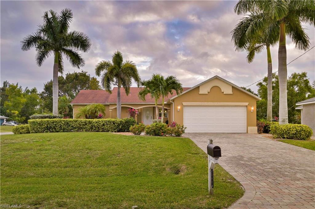 CAPE CORAL Real Estate - View SW FL MLS #220003480 at 1800 Sw 25th St in CAPE CORAL at CAPE CORAL