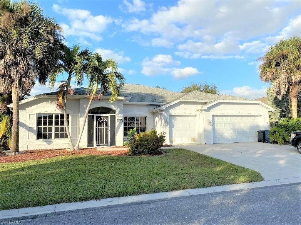 FORT MYERS Real Estate - View SW FL MLS #220004828 at 16832 Colony Lakes Blvd in COLONY LAKES at COLONY LAKES