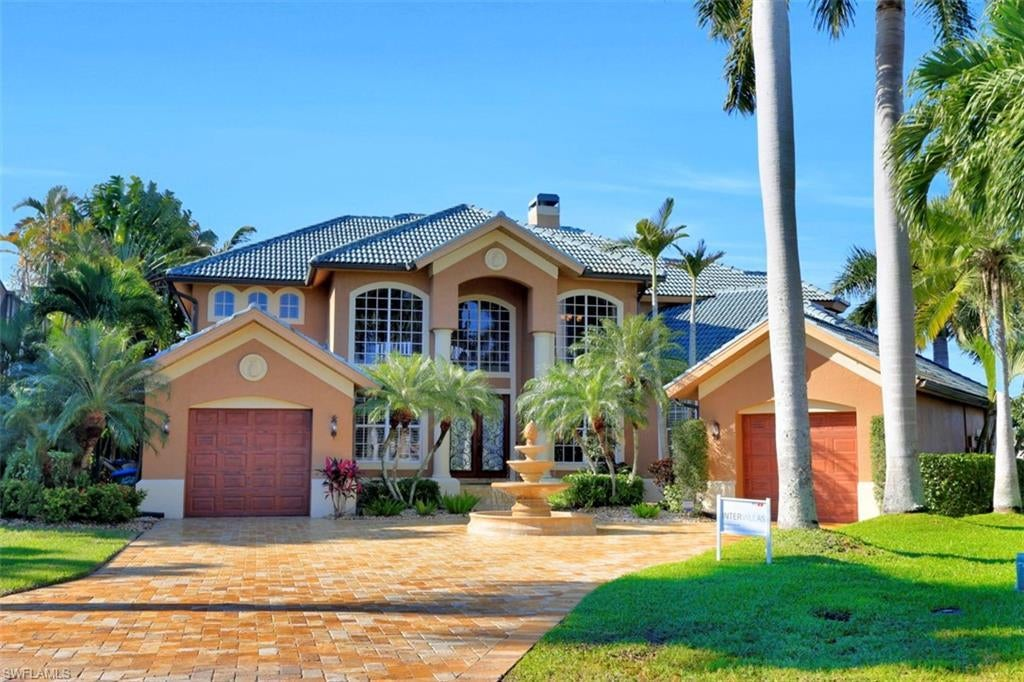 SW Florida Home for Sale - View SW FL MLS Listing #220007945 at 5608 Sw 9th Ave in CAPE CORAL, FL - 33914