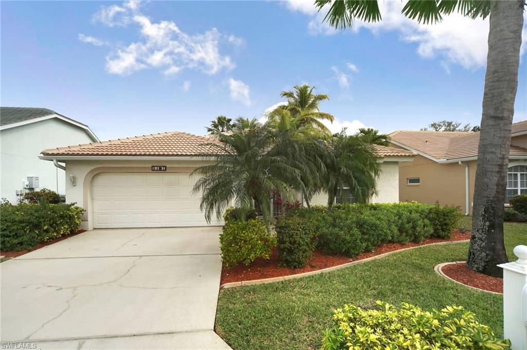 OLDE HICKORY GOLF & COUNTRY CLUB Home for Sale - View SW FL MLS #220007363 at 9391 Old Hickory Cir in OLDE HICKORY GOLF & COUNTRY CLUB in FORT MYERS, FL - 33912