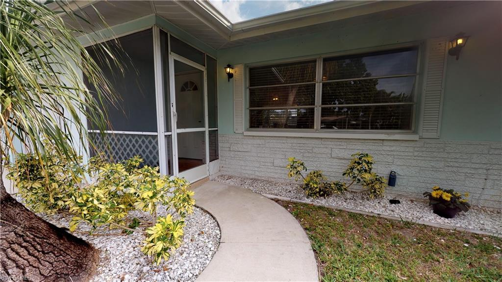 SW Florida Home for Sale - View SW FL MLS Listing #220007886 at 2705 Se 17th Ave in CAPE CORAL, FL - 33904