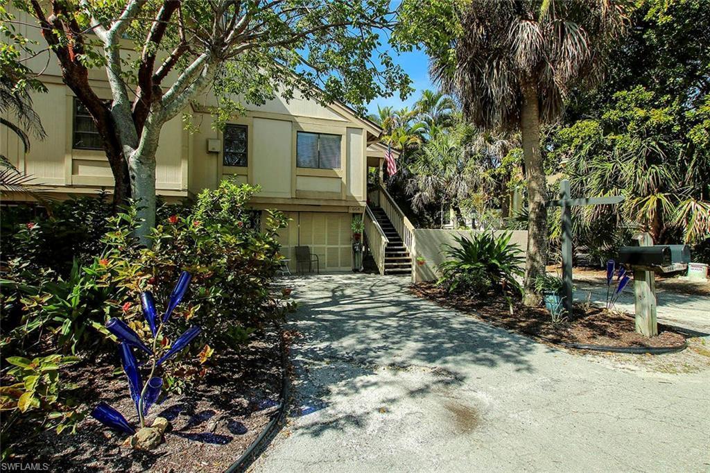 DUNES AT SANIBEL ISLAND Home for Sale - View SW FL MLS #220012033 at 968 Greenwood Ct S in DUNES AT SANIBEL ISLAND in SANIBEL, FL - 33957