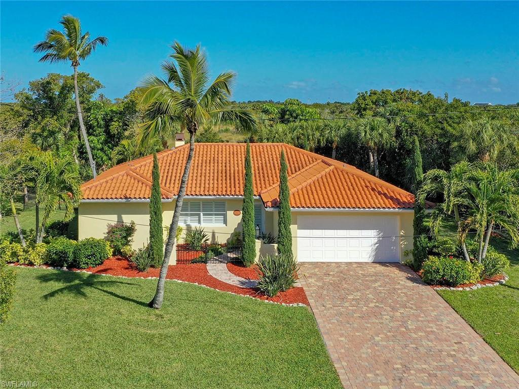 SANIBEL Real Estate - View SW FL MLS #220012129 at 3751 Coquina Dr in WEST ROCKS at WEST ROCKS