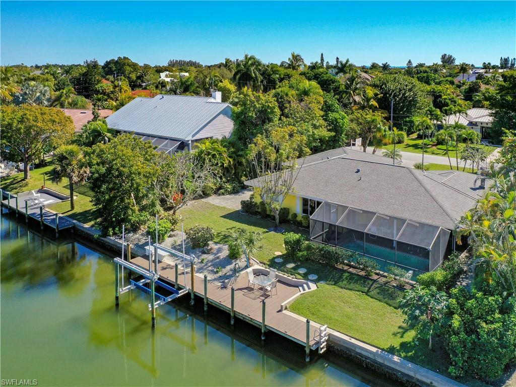 SW Florida Real Estate - View SW FL MLS #220012480 at 776 Conch Ct in SHELL HARBOR in SANIBEL, FL - 33957