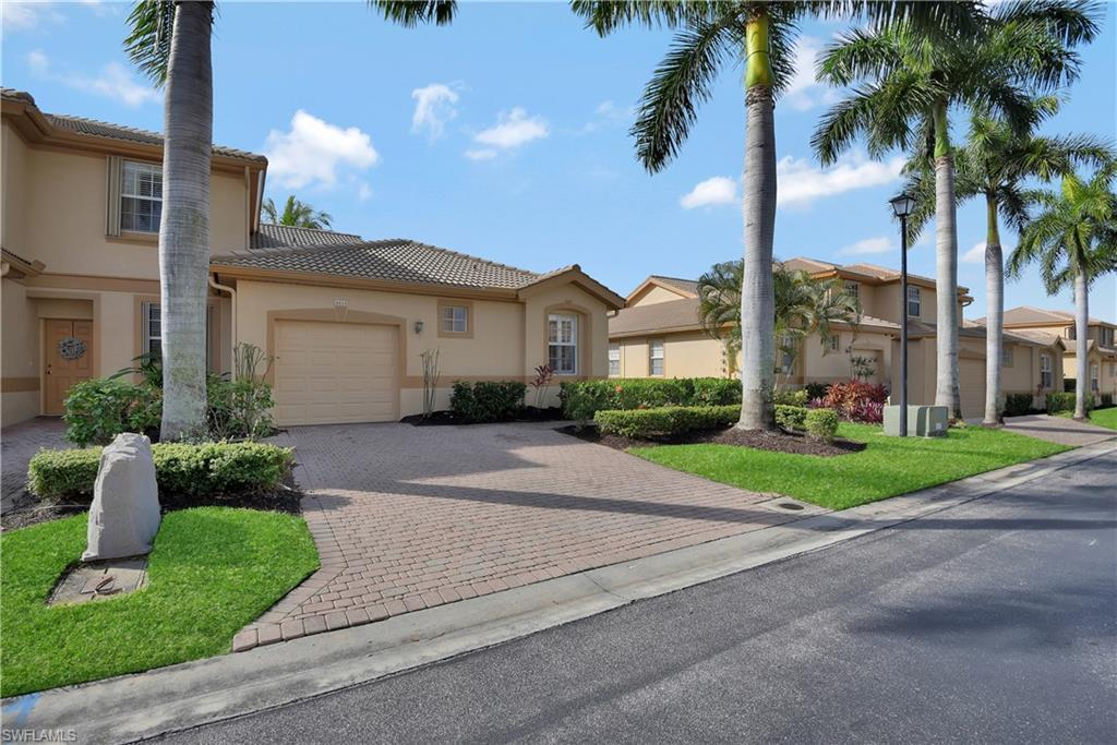 REFLECTION LAKES Home for Sale - View SW FL MLS #220013314 at 7841 Lake Sawgrass Loop 4414 in REFLECTION LAKES in FORT MYERS, FL - 33907