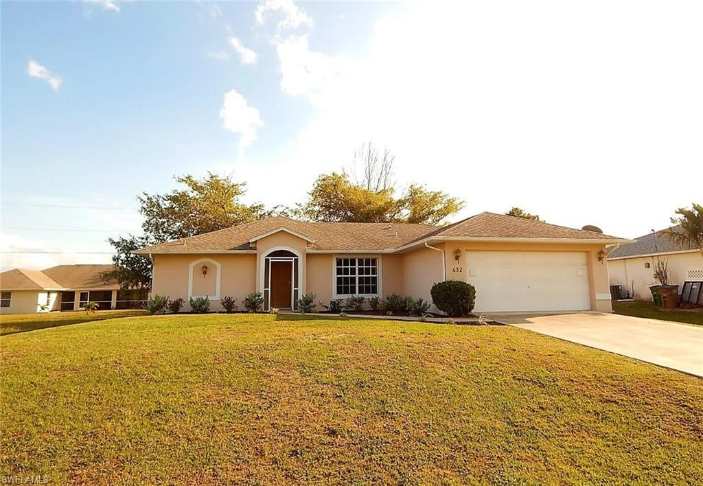 CAPE CORAL Home for Sale - View SW FL MLS #220019511 at 632 Nw 2nd Ter in CAPE CORAL in CAPE CORAL, FL - 33993