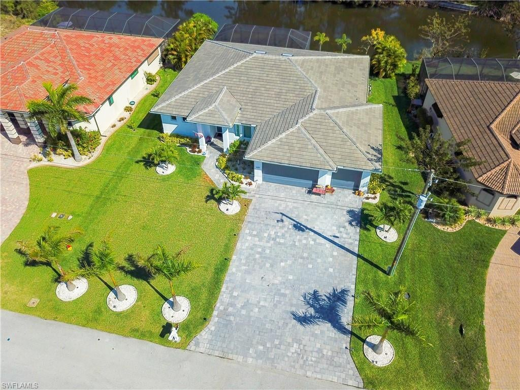 SW Florida Home for Sale - View SW FL MLS Listing #220022559 at 1605 Sw 28th Ter in CAPE CORAL, FL - 33914