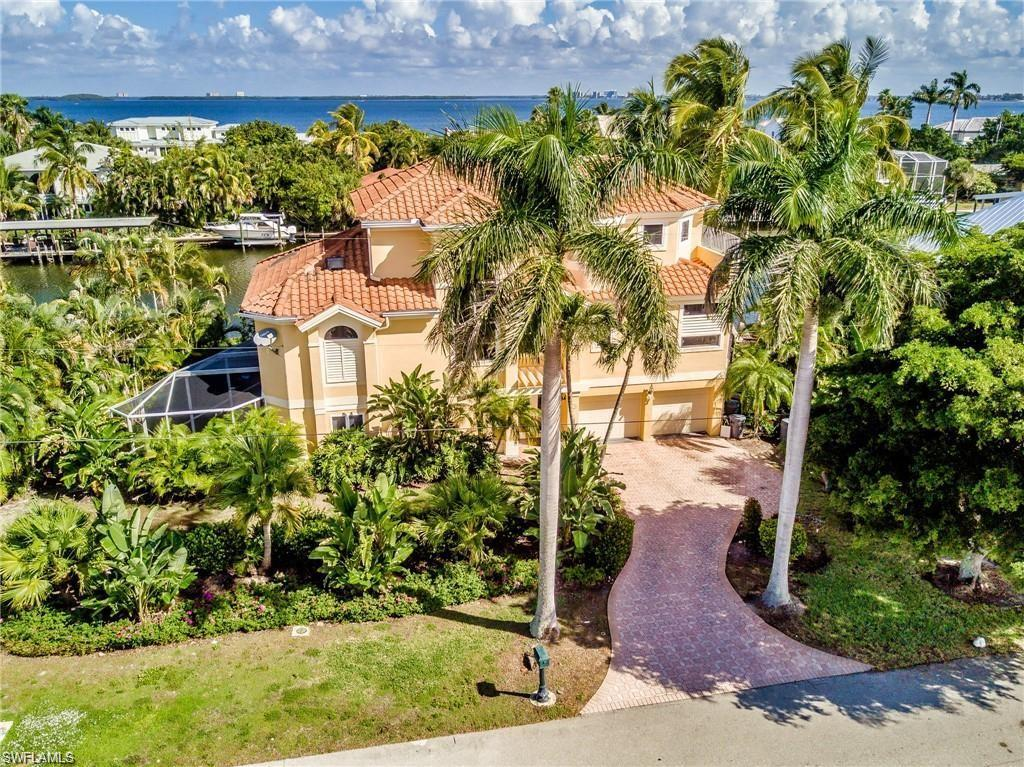 SW Florida Home for Sale - View SW FL MLS Listing #220024973 at 1520  Angel Dr in SANIBEL, FL - 33957