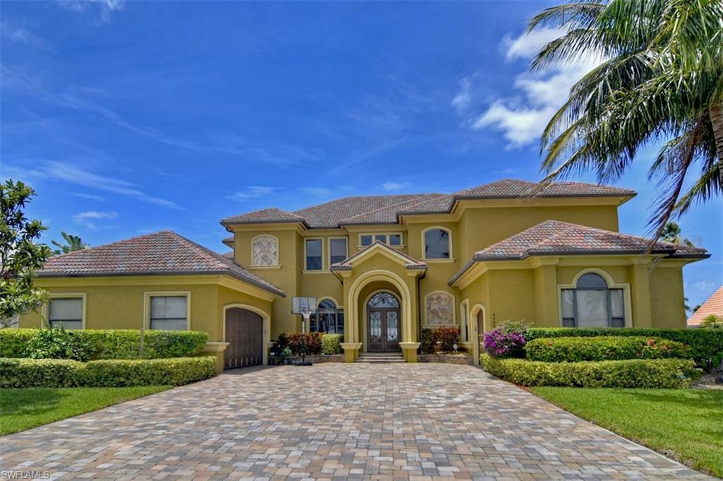 CAPE CORAL Home for Sale - View SW FL MLS #220040873 at 4402 Se 20th Ave in CAPE CORAL in CAPE CORAL, FL - 33904