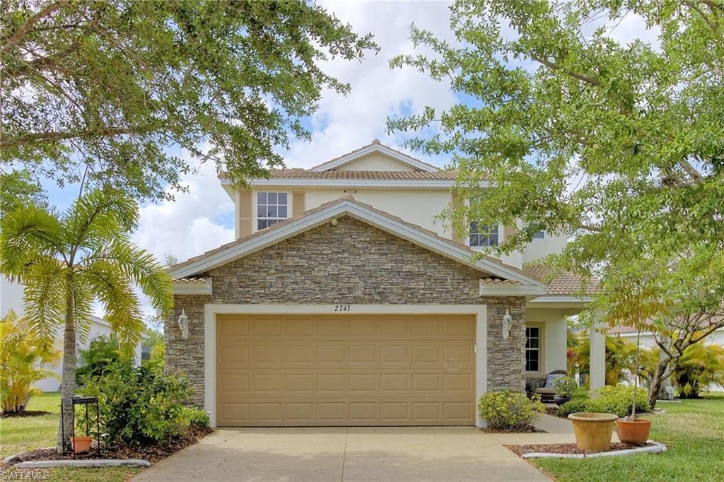SW Florida Home for Sale - View SW FL MLS Listing #221023726 at 2743 Blue Cypress Lake Ct in CAPE CORAL, FL - 33909
