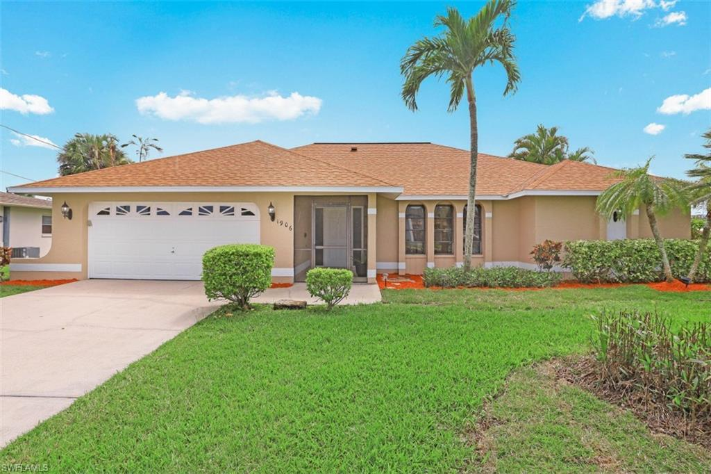 CAPE CORAL Home for Sale - View SW FL MLS #221025171 at 1906 Everest Pky in CAPE CORAL in CAPE CORAL, FL - 33904