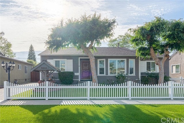 3669 Lees Avenue, Long Beach