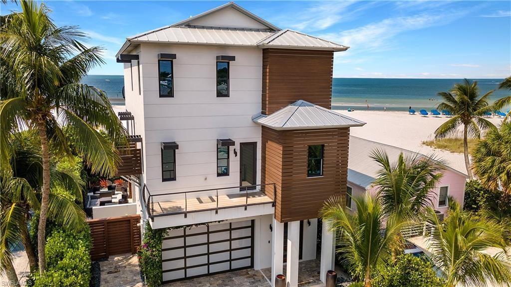 WATSON W W Home for Sale - View SW FL MLS #221044738 at 61 Delmar Ave in WATSON W W in FORT MYERS BEACH, FL - 33931