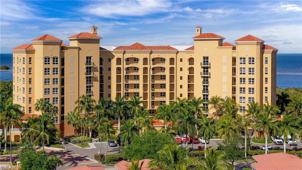 SW Florida Home for Sale - View SW FL MLS Listing #221045132 at 3321 Sunset Key Cir 204 in PUNTA GORDA, FL - 33955