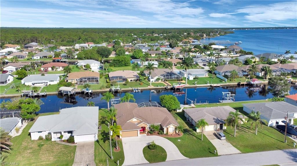 SW Florida Real Estate - View SW FL MLS #221049065 at 5249 Forbes Ter in GULF COVE in PORT CHARLOTTE, FL - 33981