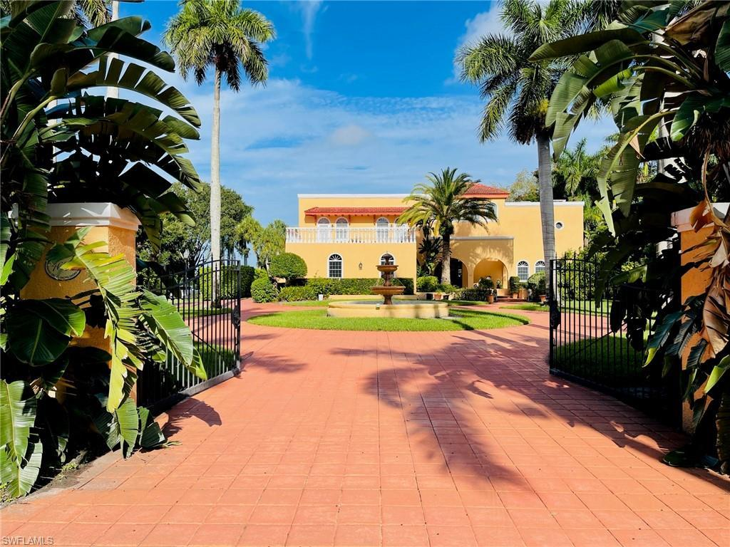 BONAIR Real Estate - View SW FL MLS #221052949 at 4620 Caloosa Vista Rd in BONAIR in FORT MYERS, FL - 33901