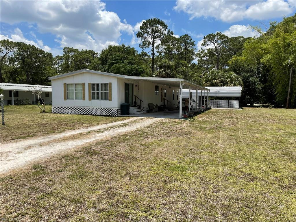 SW Florida Home for Sale - View SW FL MLS Listing #221054439 at 18441 Wayne Dr in NORTH FORT MYERS, FL - 33917