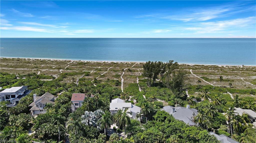 SEASPRAY SUBDIVISION Real Estate - View SW FL MLS #221058168 at 1320 Seaspray Ln in SEASPRAY SUBDIVISION in SANIBEL, FL - 33957