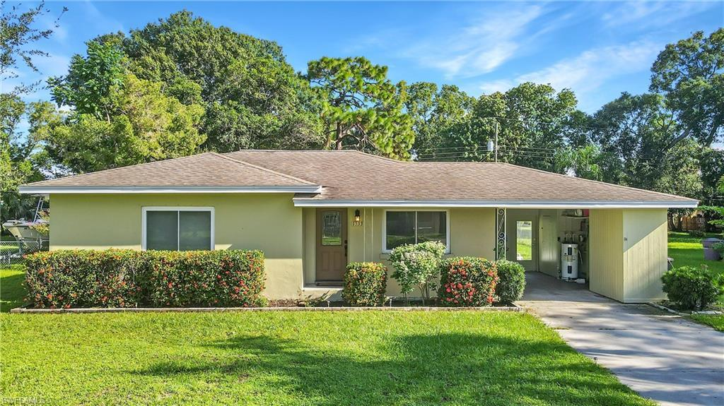 SW Florida Home for Sale - View SW FL MLS Listing #221065525 at 1533 Coconut Dr in FORT MYERS, FL - 33901