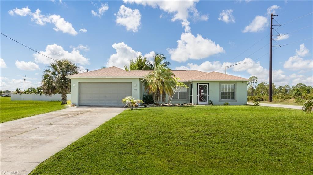 CAPE CORAL Real Estate - View SW FL MLS #221065999 at 800 Ne 44th Ln in CAPE CORAL in CAPE CORAL, FL - 33909