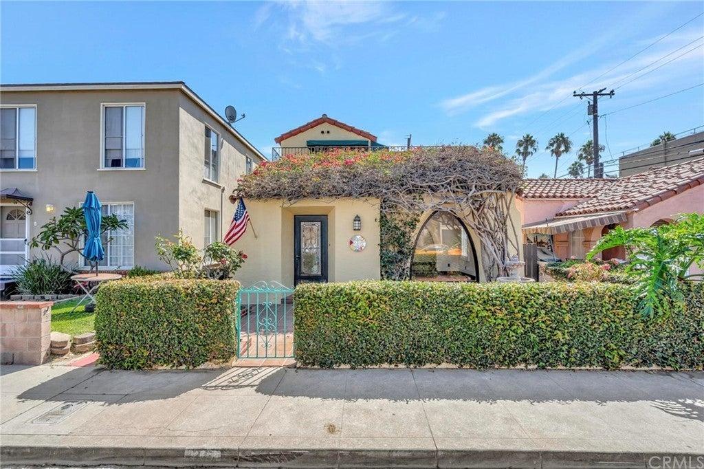 26 La Verne Avenue, Long Beach