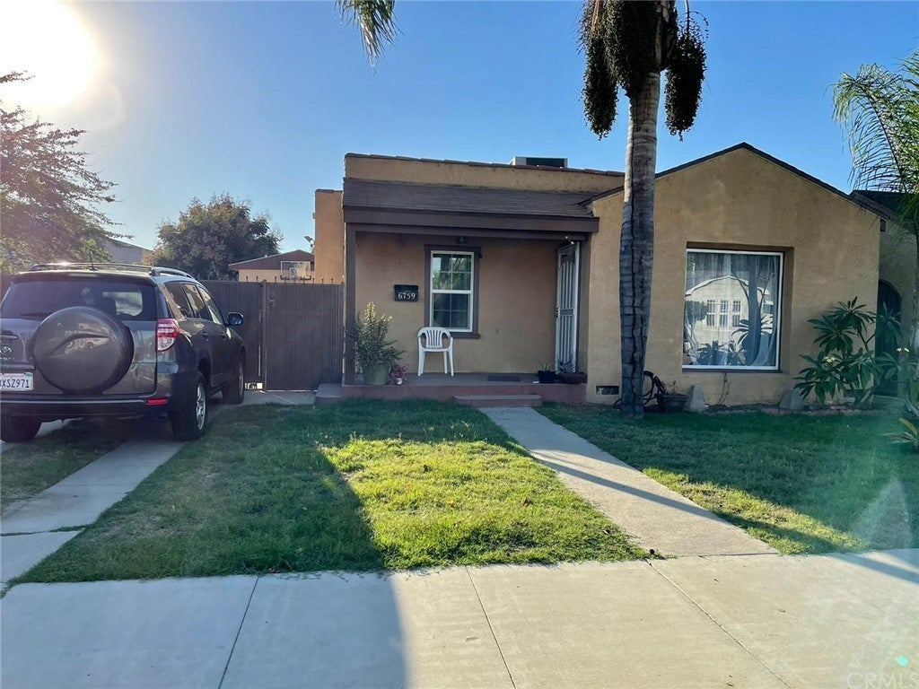 6759 Olive Avenue, Long Beach